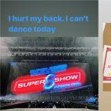 【有片】強忍著傷痛…堅持在演唱會上跳舞的SJ東海!最後忍受不了、蹲在舞台上 現場粉絲心疼哭了 ㅠㅠ