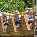 超可愛! 韓國童子僧暢遊樂園,搭雲霄飛車表情太嗨啦!