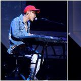 Jun.K演唱会坠落受伤 手肘&无名指骨折