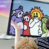 泪目!SHINee Key拿旧宣传照请画家创作,中间的小太阳是钟铉啊