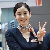 《愛上變身情人》李多熙空姐扮相太完美,竟然真的有人向她問路!