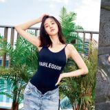 GD绯闻女友拍泳装写真 清纯少女很懂的穿法:泳衣+牛仔裤