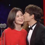 池晟以《被告人》拿下SBS演技「大賞」甜蜜KISS愛妻李寶英~!