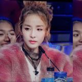 谢谢最暖的你!Dara亲笔信用16首2NE1歌名串成致歉与感谢Black Jack!