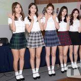 DIA粉絲簽名會 短裙長腿靚麗出席