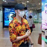 超暖!一回到韩国就到地铁站进行出道一周年应援认证的姜丹尼尔、邕圣佑!