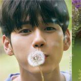 JTBC新劇《18歲的瞬間》公開邕聖祐個人海報!輕輕吹拂蒲公英 滿滿的少年美