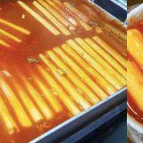 「這size 2條就吃飽~」吃這個辣炒年糕要用剪刀啦,真讓人大開眼界!