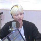 觉得哪位艺人本人让你惊艳? NUEST黄旼炫:那位前辈...是人吗?