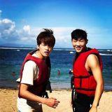 《大力女子都奉顺》巴厘岛度假现场 朴炯植&Jisoo养眼沙滩照公开