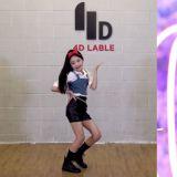 太厉害了!「舞蹈小神童」罗夏恩大跳BLACKPINK新歌《Lovesick Girls》,还Cover了Jennie的舞台造型!