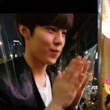 《Produce X 101》「颜王」金宇硕去吃最爱的麻辣烫:看到粉丝的表现也太羞涩了XD