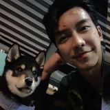 李昇基公開愛犬近況:「這是化妝,不要吃啊! 」