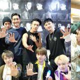 【SJ D&E演唱會】被CUE到就得跳!SM藝人齊跳「觸觸舞」 父母也加入XD