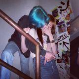 這對真的太閃了!泫雅、E'Dawn交往滿三週年♥高調曬BOBO照、背後擁抱照!