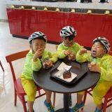 三胞胎大韓民國萬歲 早晨運動後的冰淇淋TIME