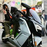 參與志願活動,用摩托車接送高考生的明星!假如本命也接送我...