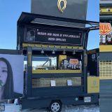 BLACKPINK JISOO收到人生第一个咖啡车应援!原来是好姐妹ROSÉ送的