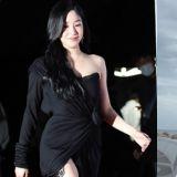 Tiffany人美顏高衣品讚!這條390萬韓幣的晚禮服穿出了嬌柔性感氣質♥