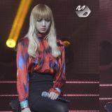 BLACK PINK「忙內」Lisa舞台上&舞台下的反差萌!