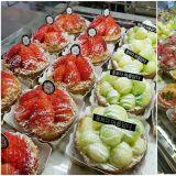 【弘大必吃】弘大超人氣水果塔專賣店,繽紛水果塔一字排開!今天的你要吃哪一個?