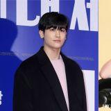 在拍攝畫報中展現性感魅力的韓志旼,也讓朴炯植有趣地回覆:「這不是我所認識的秀英」!