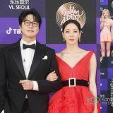 韩国《金唱片奖》红毯照:成始璄&李多熙主持,TWICE、MAMAMOO等明星出席现场