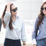 郑姊妹连袂出国 Jessica、Krystal化机场为伸展台