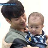 《做家务的男人们2》崔敏焕&律喜育儿日常也太甜! 宝宝打针「哭5秒就停」超乖