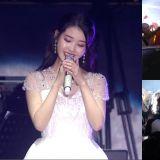 《IU TV》香港场花絮!被应援感动到的IU,亲自下台找策划的粉丝说谢谢还亲吻她的手!