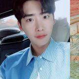 李鍾碩和YNK娛樂解除合約!目前由他個人創立的A-MAN Project進行個人活動!