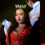 性感女王MAMAMOO华莎大胆展现破格时尚,尽显妖娆身材!