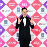 玩笑應該再有趣點    李輝宰主持SBS頒獎典禮惹議