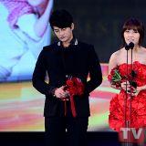《请回答》徐仁国、郑恩地同台!「tvN10周年颁奖礼」合唱《All for You》