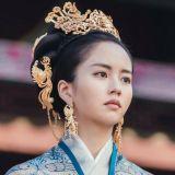 金所炫繼《學校2015》再次分飾兩角,《月升之江》王后扮相宛如重現《鬼怪》