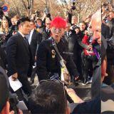 在巴黎時裝週上看到他!GD露出超驚訝表情,而這瞬間也都被拍下來啦!