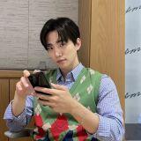 粉丝在视讯签售说有喜欢的人、在准备结婚!2PM俊昊听到是谁后...直接翻了个白眼 XD