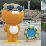 这真的超级可爱!韩国水上乐园和Kakao Friends合作,在乐园里放了两个超巨型的Ryan!