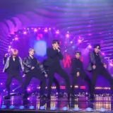 《2018 SBS歌谣大战》赵宝儿看BTS防弹少年团演出太投入 竟忘记主持节目!
