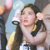 Red Velvet Irene擔心粉絲太熱 主動讓出自己的迷你電風扇
