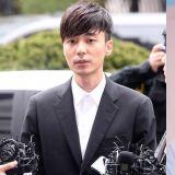 Roy Kim 反駁滯美傳言 「目前仍和家人一起待在韓國」