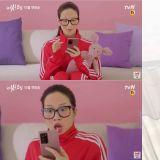 tvN漫改劇《女神降臨》預告公開:文佳煐不小心上傳自己的素顏照!網友:「是醜演技嗎?怎麼還這麼漂亮」