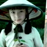 十几年前和韩佳人一起拍绿茶广告的小女孩:原来就是Krystal!