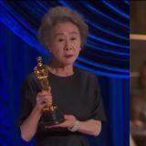 【有片】73歲尹汝貞憑《Minari》奪奧斯卡最佳女配角!獲獎感言:「我終於見到Brad Pitt啦!」