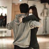 f(x) Krystal勤练国标舞 为电影《闭嘴!爱吧》做足准备