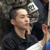 EXO XIUMIN在新兵训练所的照片曝光:超强童颜!