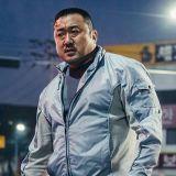 想看马大叔今年在台湾的第五部电影《恶邻布局》欢度假期吗?