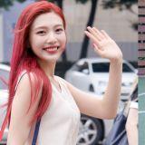 Red Velvet與BLACKPINK一起吃飯了!Joy和ROSÉ第一次聊天卻聊到哭?