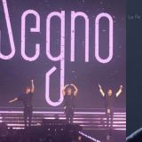 在演唱会集体摆L.O.Λ.E时,总是独自「破坏队形」的NU'EST JR~^^