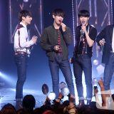 防彈少年團《M Countdown》奪冠塗口紅慶祝
